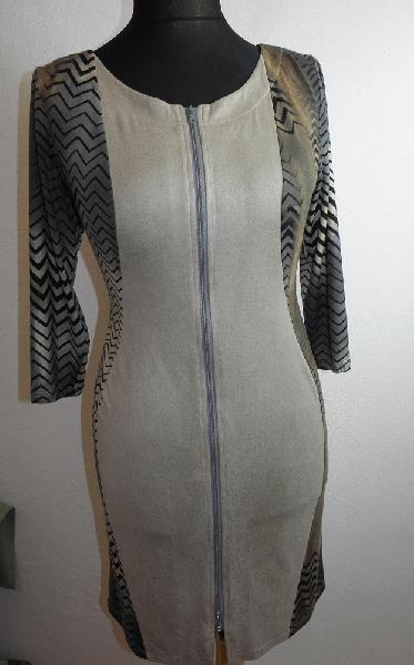 d43657154c01 Pouzdrové šaty na zip